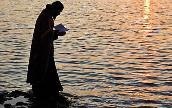 МОЛИТВАТА ДА НЕ ОДИ ВО ВЕТАР, НЕ ДА СЕ ВРШИ ТУКУ ДА СЕ ИЗВРШИ (Писма на Старецот)